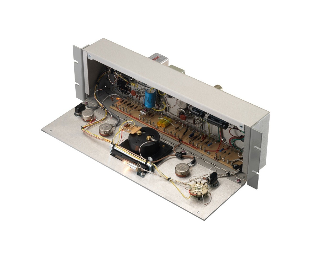 LA-2A Classic Leveling Amplifier - Open